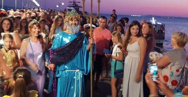 Нептун пристига със свита от русалки в Поморие