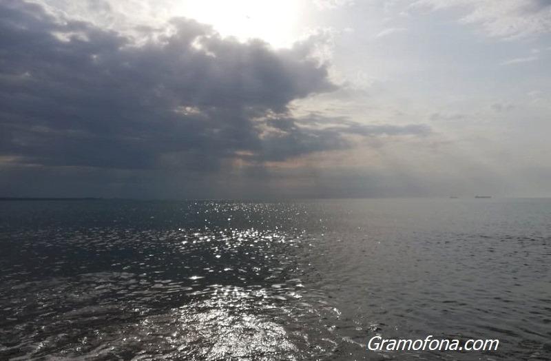 Облачно и на места с валежи ще бъде времето по Черноморието днес