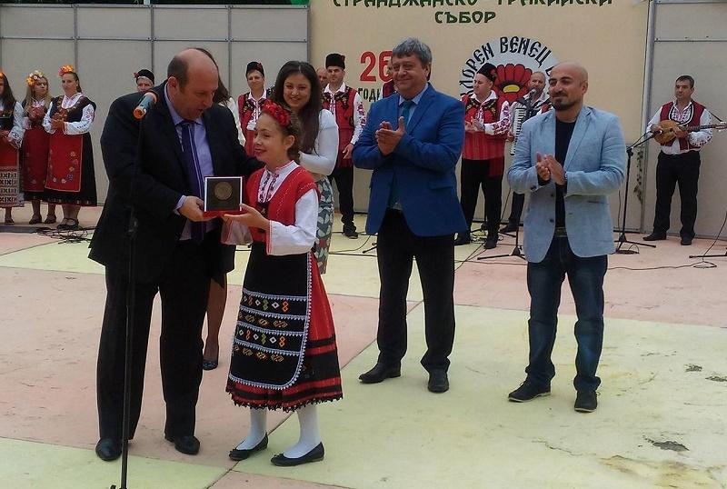 "12-годишно бургазлийче с приз ""Комня Стоянова"" на Божура"
