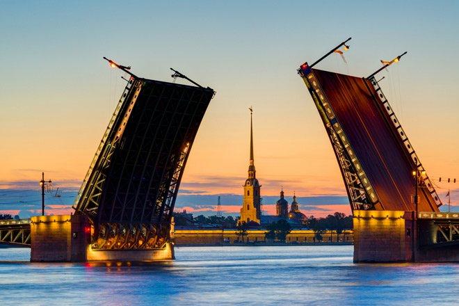 В Санкт Петербург започна сезонът на белите нощи