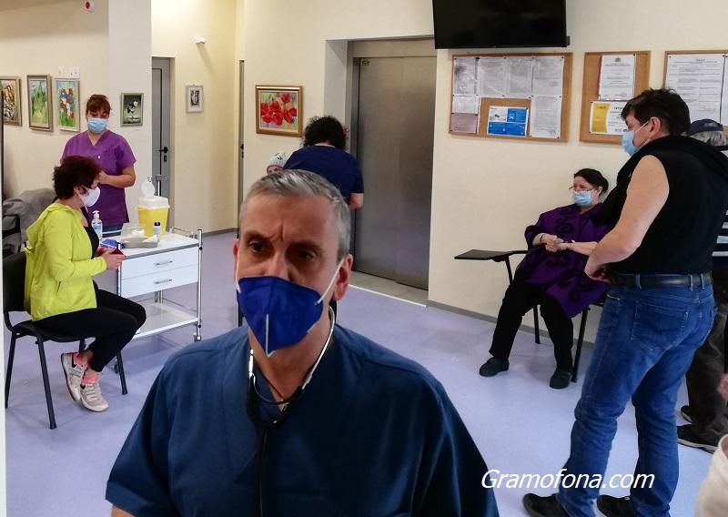 От 4 700 ваксинирани в Бургас, само 7 са се заразили с ковид