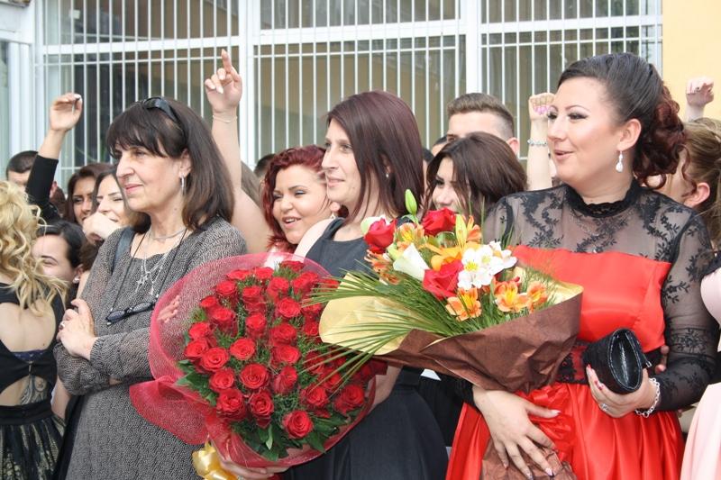39 червени рози за госпожа Тенева