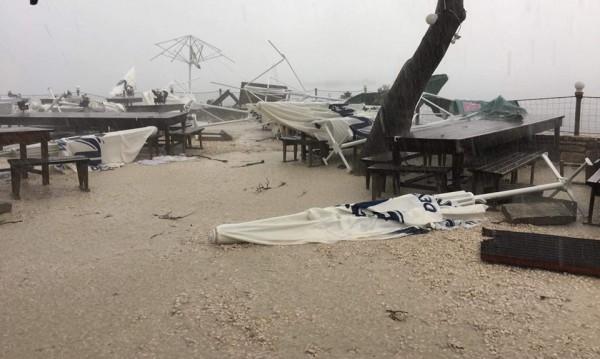 Мидената ферма край Каварна пострада в буря