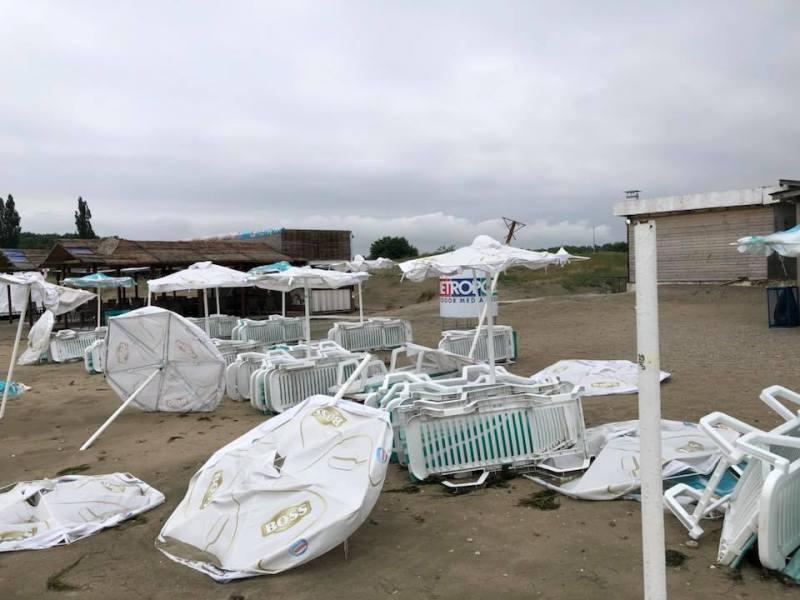Буря опустоши плажа в Крайморие
