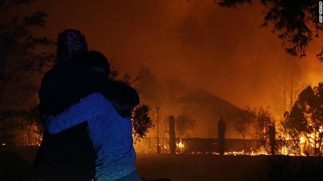 Огнен ад в Калифорния: 17 загинали и 180 в неизвестност