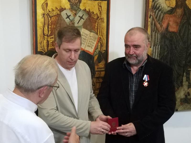 Бургаски художник отличен редом с шестима световни президенти