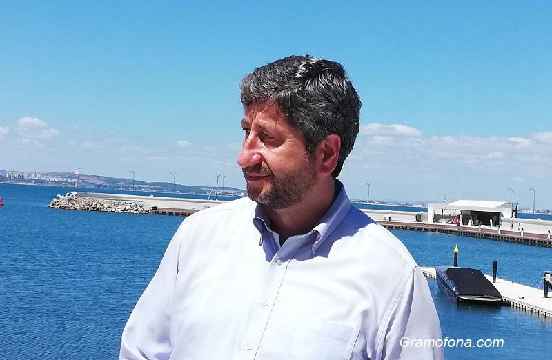 Докладват на Христо Иванов за разговор с Маджо, той: Тихо!