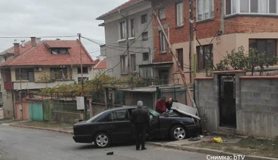 Удължиха ареста на шофьора, убил две жени в Карнобат