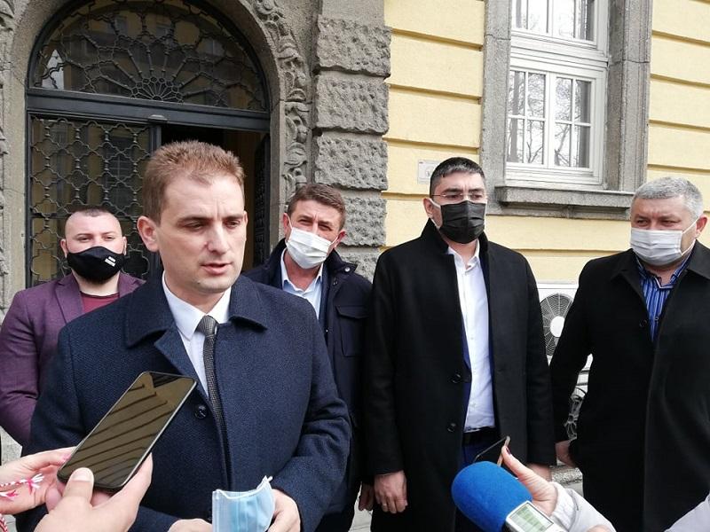 ДПС регистрира листата си в Бургас с амбиция за 3 мандата
