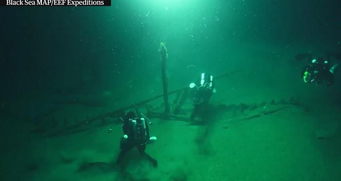 Световни агенции: На дъното на Черно море е най-старият потънал кораб