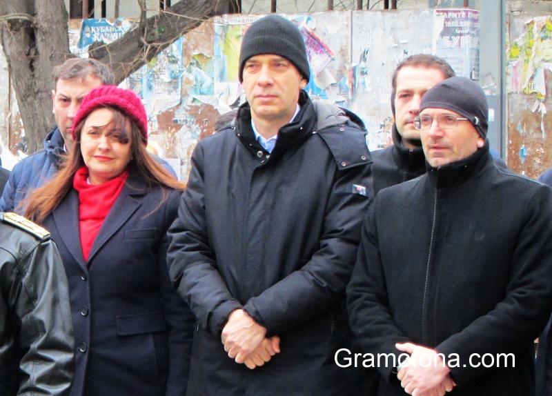Ето как кметът Николов коментира идеята 6 декември да е неработен в Бургас