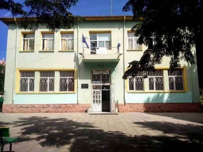 Недостиг на класни стаи за учениците в Сарафово