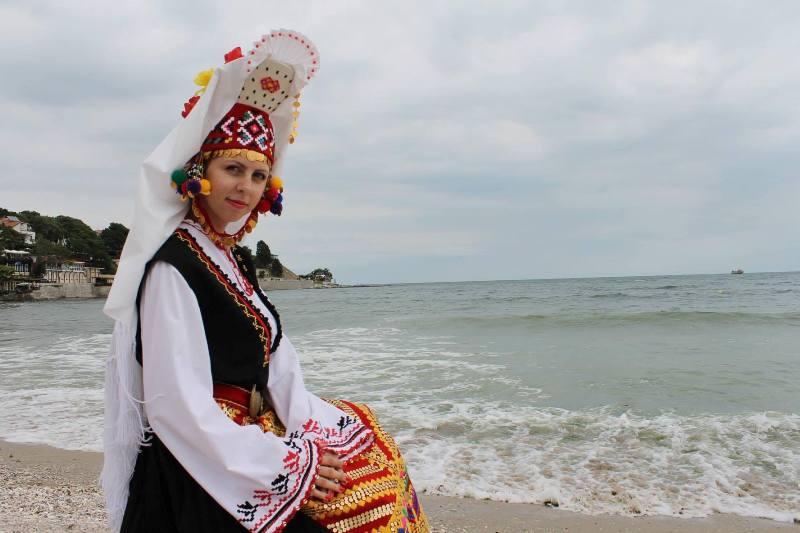 Бургазлийката, която не спира да пее народни песни 23 години