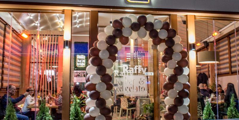 Свети Валентин и Трифон Зарезан си дават среща в Raffy Bar & Gelato Burgas