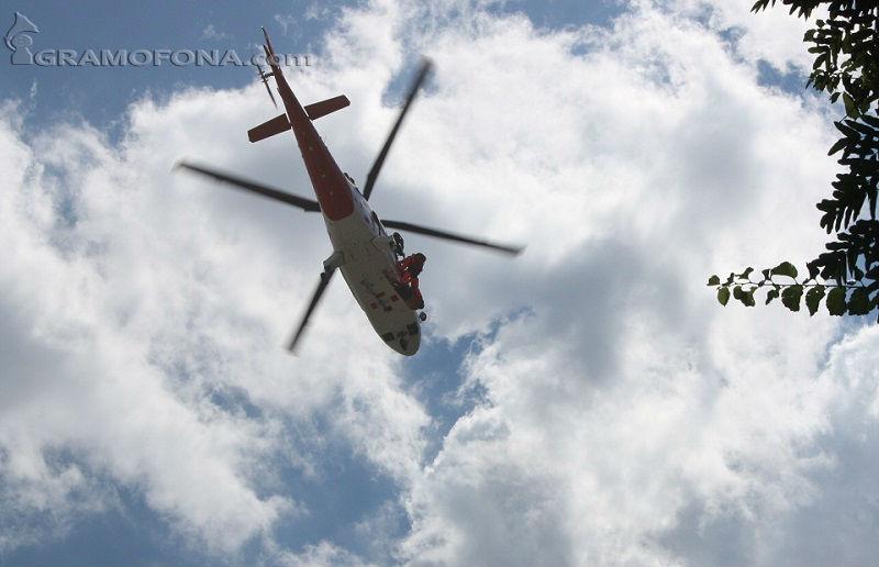 Хеликоптерът се е разбил в пшеничната нива на село Гюльовца