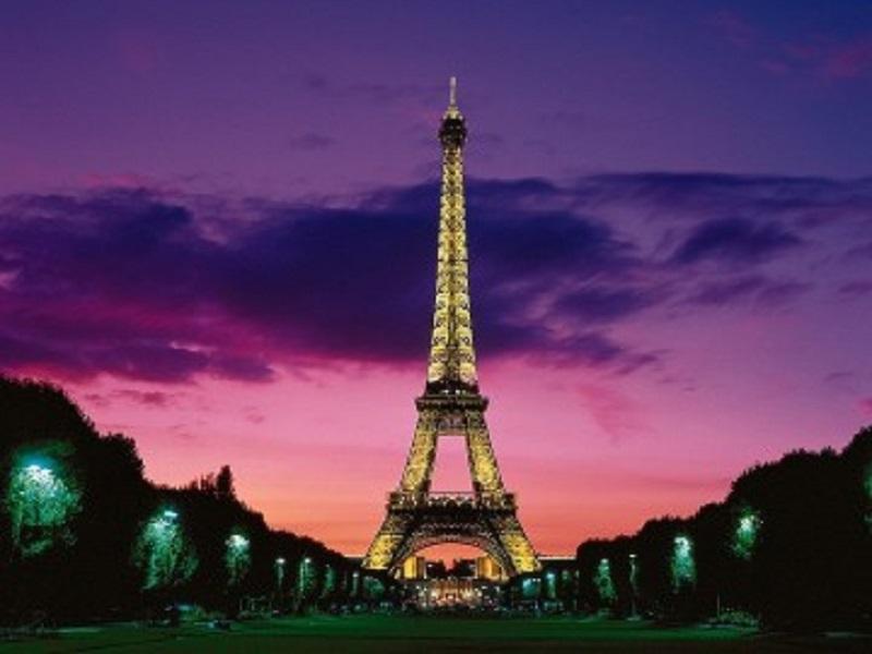 Стихове на бургаски поети звучат на френски в Казиното