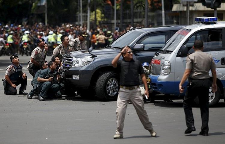 Терористична атака в Джакарта, има загинали
