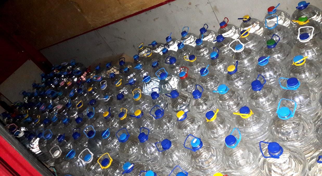 Откриха 216 литра нелегален алкохол в Карнобат