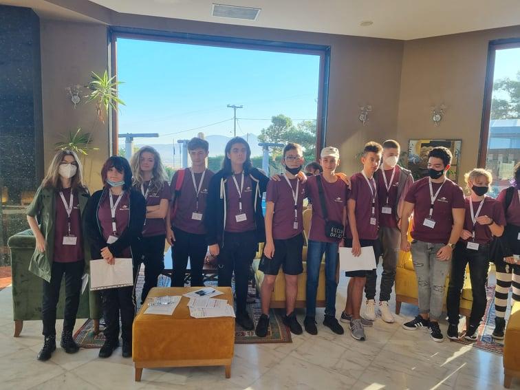 Бургаски ученици с призови места на европейско състезание по английски език