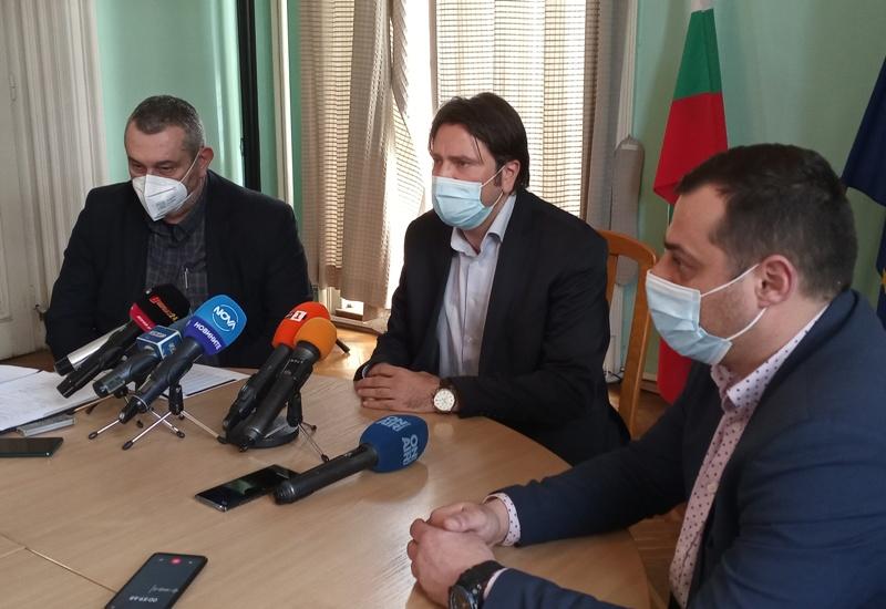 Бургаска област – лидер и по имунизирани, и по заразени
