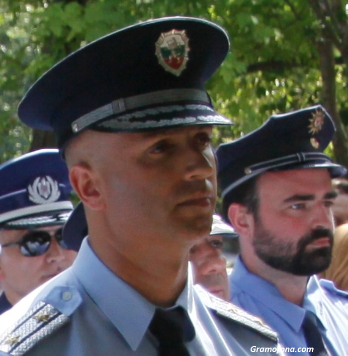 По 300 полицаи на ден пазят Слънчев бряг