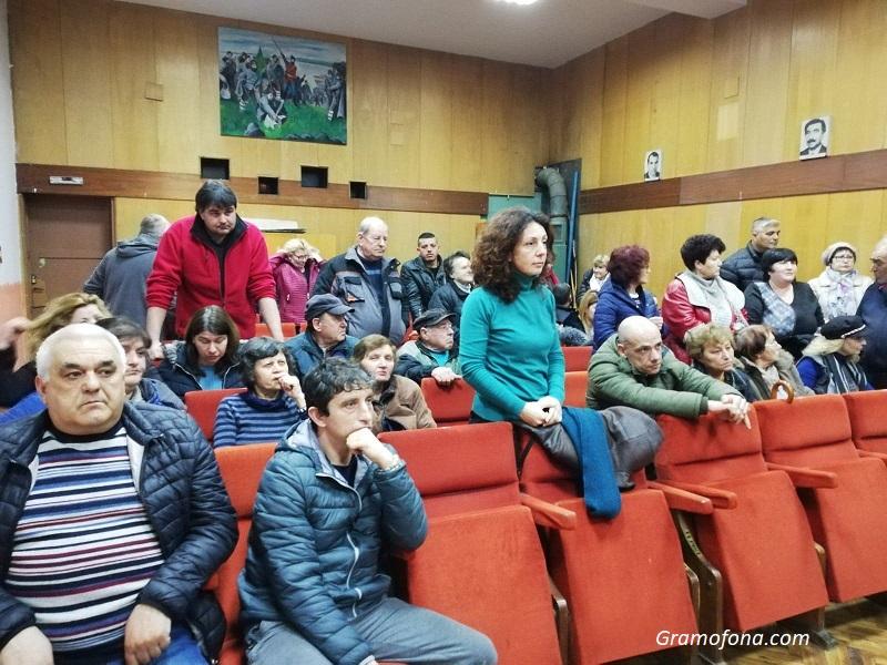 В Горно Езерово се чувстват излъгани: Кметът ни обеща експериментален маршрут на автобуса. Къде е?