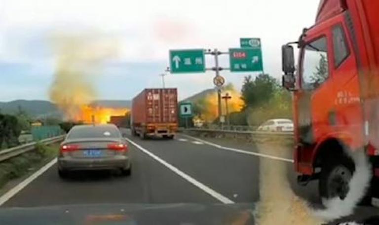 Бензиновоз уби 4 души