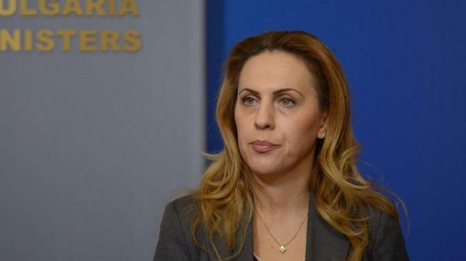 Държавата да плаща за карантинирани туристи, предложи туристическият министър