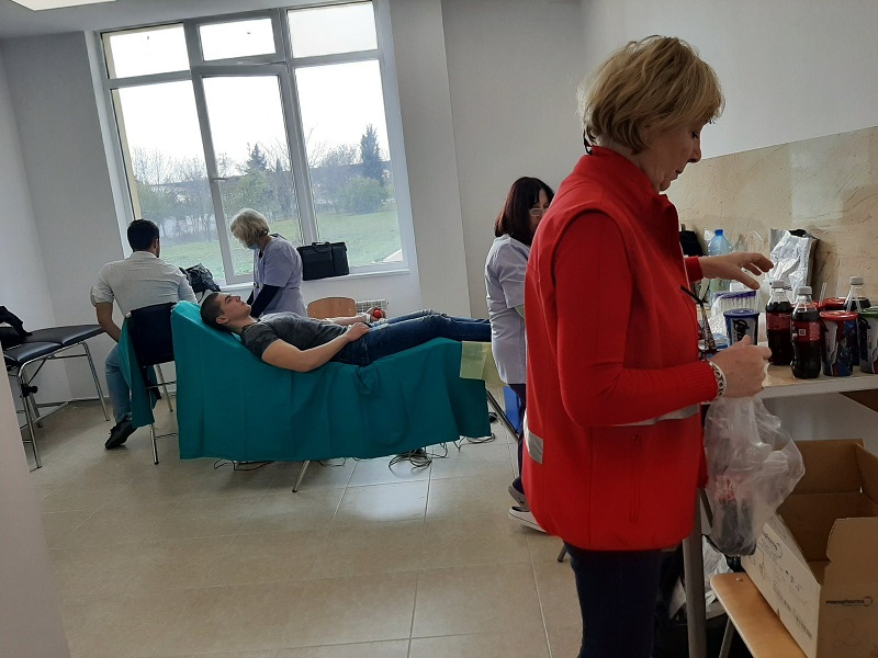 40 бургаски студенти пожелаха да станат кръводарители