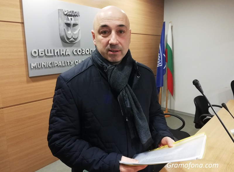 Кметът на Созопол отчете първите 100 дни от мандата си