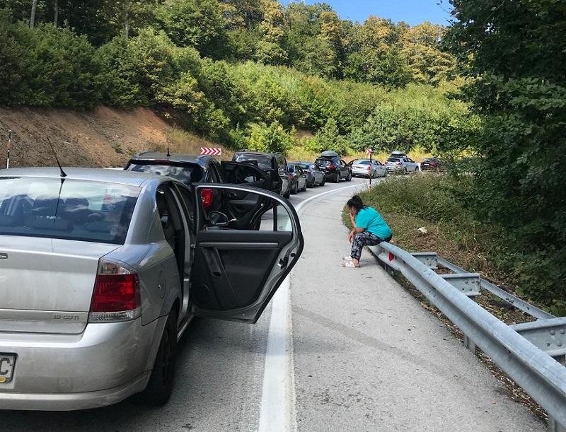 10-километрова колона недоволства на ГКПП Малко Търново