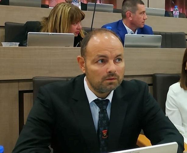 Бургаски политик: Не виждам как Тошко Сценариста и Бабикян ще отидат в Европарламента и ще получат фондове за милиарди