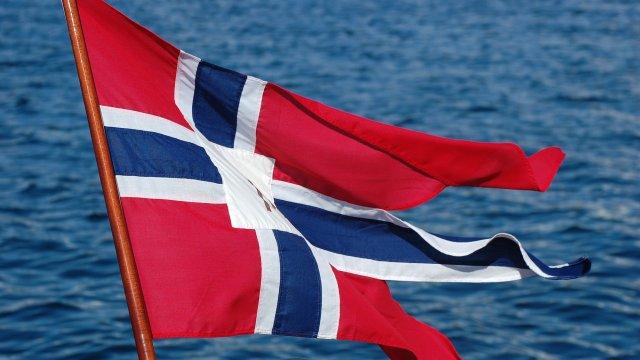 Норвегия маха всички ковид ограничения, повечето хора в страната са имунизирани
