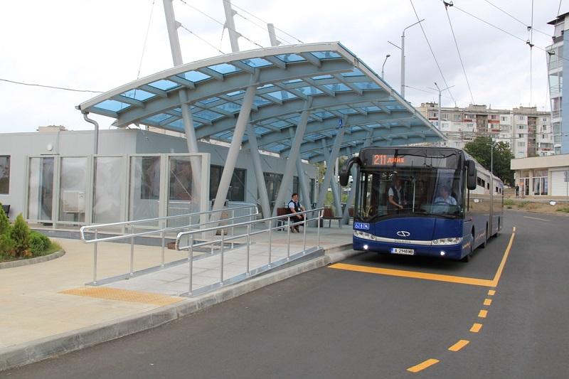 Безплатни автобуси за учениците до обяд