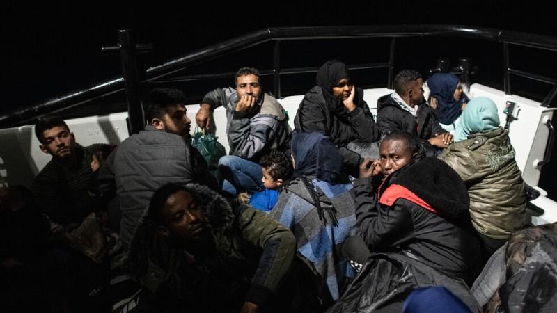 Гръцката брегова охрана спаси 658 мигранти през уикенда