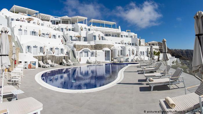 Над 300 хотела в Гърция са обявени за продан