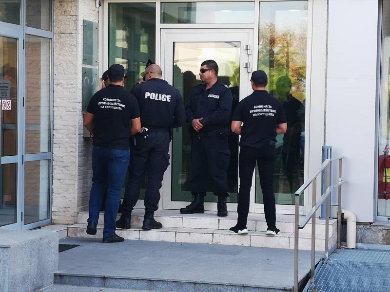 При акцията в Несебър: ГДБОП обискира дома на кмета