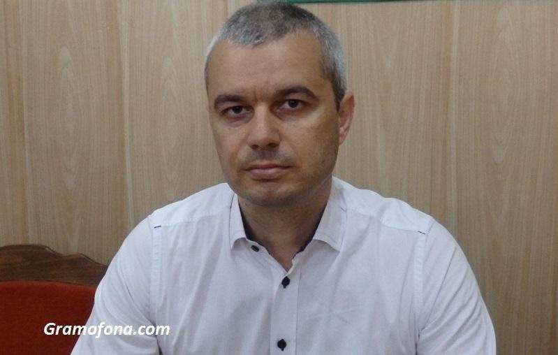 Възраждане издига председателя си Костадин Костадинов за президент