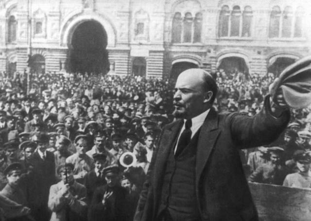 Руснак опита да съживи мумията на Ленин с… бутилка зехтин