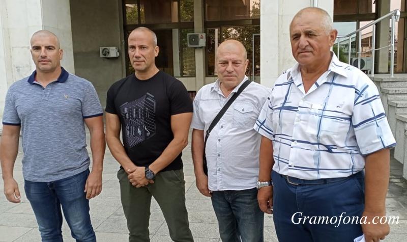 Четиримата бургаски граничари: Оставаме затворници в собствената си държава