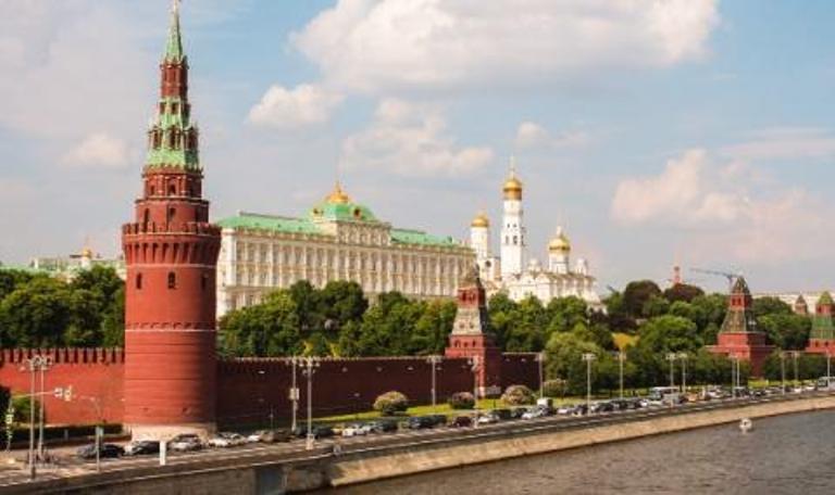Руснаците се връщат на работа