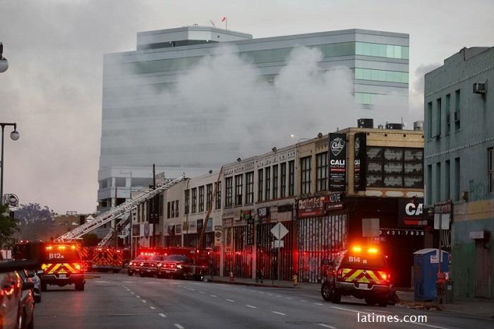 Взрив и пожар в Лос Анджелис, 11 огнеборци са с тежки изгаряния