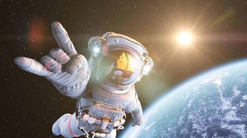 ИТН пращат македонец в Космоса