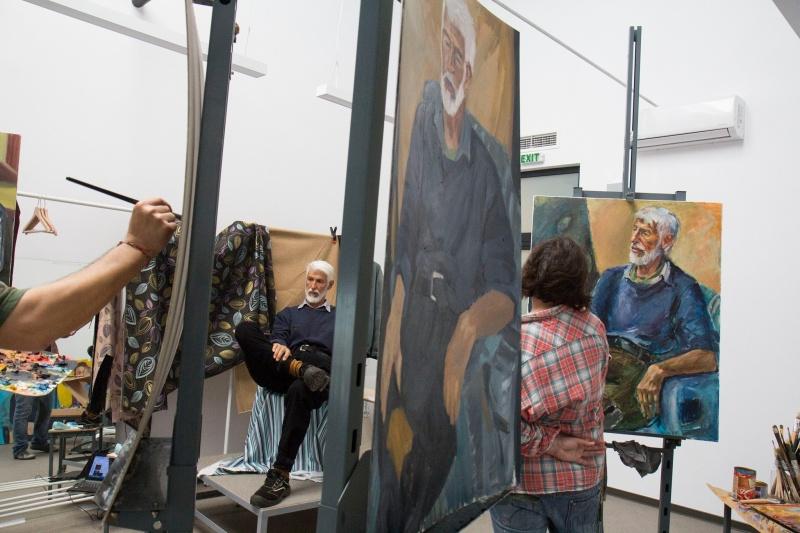 Филиалът на художествената академия в Бургас търси модели
