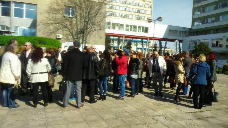 Медици от цялата област се включват в Националния протест