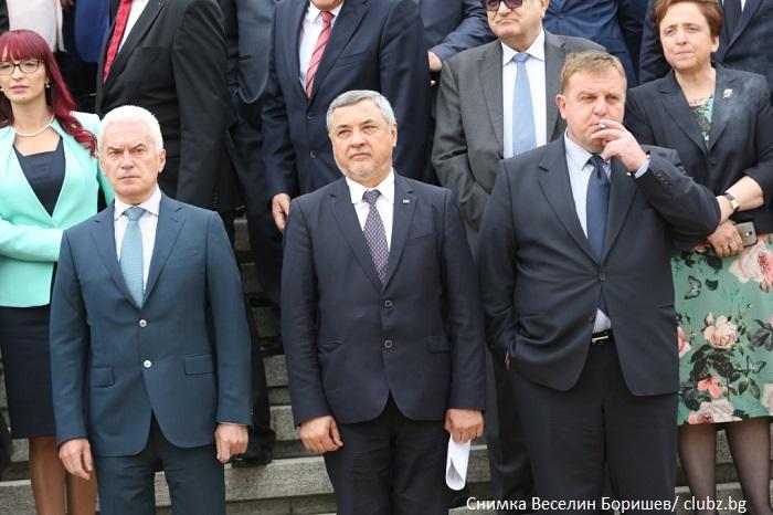 """ВМРО официално кани НФСБ и """"Атака"""" за среща на малкия коалиционен съвет"""