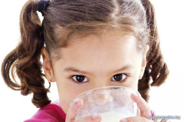 Ще има ли мляко и плодове за бургаските деца в училище?