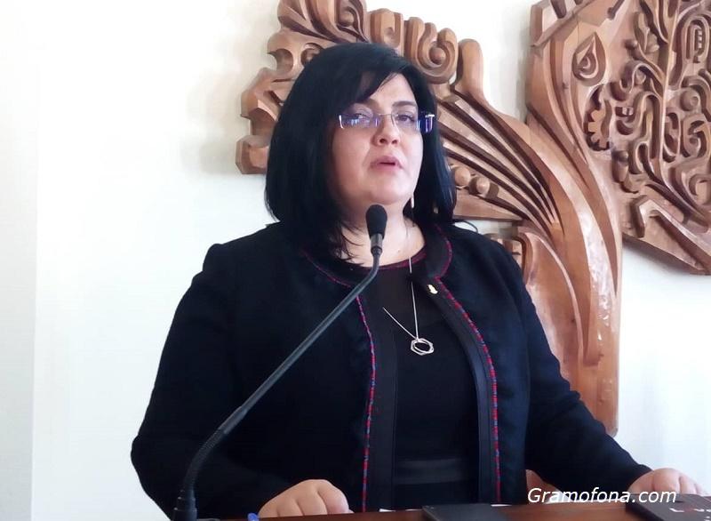 Шефката на Общинския съвет в Царево е обвинена в конфликт на интереси