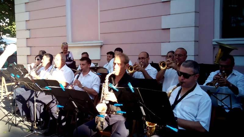 Духов оркестър – Бургас с безплатни концерти през август и септември
