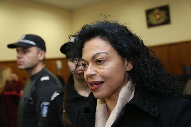 Съдът решава дали да остави в ареста Евгения Банева